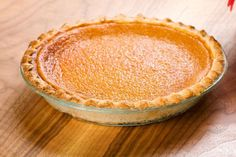 Sometimes your sweet tooth takes over and you have cravings for sweet treats including pie. One of my favorite pies in the whole world is of course, sweet potato pie. Sugar Free Pie Recipe, Peach Crumb Pie, Pie Recipes, Baking Recipes, Calories Sweet Potato, Bean Pie, Boiling Sweet Potatoes, Thanksgiving Pies, Potato Pie