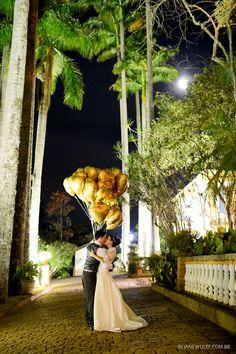 Balões amarelos pra alegrar o casamento!  Foto: Rejane Wolff