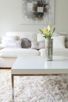 White living room @ Coconut White