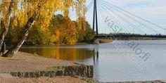 Viikki Matinkaari silta. Pornaistenniemi Pornaistenniemikävelysilta. Vanhankaupunginlahti.