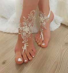 French lace barefoot sandals of good quality?vory gold frameChoose your foot number. Flexible ankle.Ready to ship. Shipment within 24 hours after purchase, weekend 48 hours via post Office.Estimated delivery 15-20 days. customs control may extend this time.purchased with shipping upgrade for immediate delivery, Will be delivered within 48 - 72 hours.Shipping upgrade $18 If any discrepancy or problem , please contact me .