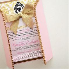 Sin lugar a dudas tus invitados se enamorarán en el momento en que tengan en sus manos la invitación para tus Quince. - See more at: http://www.quinceanera.com/es/invitaciones/invitaciones-de-lujo-para-tu-quinceanera-que-no-son-costosas/?utm_source=pinterest&utm_medium=social&utm_campaign=article-010916-es-invitaciones-invitaciones-de-lujo-para-tu-quinceanera-que-no-son-costosas#sthash.QNutWAZm.dpuf