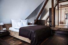 Hotel Steirerschlössel Restaurant, Bed, Furniture, Home Decor, Vacations, Traveling, Stream Bed, Restaurants, Interior Design