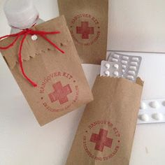 "oui wedding design: Saquinhos [HANGOVER KIT] ""in sickness and in health"" ♥ Kit ressaca"