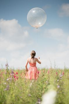 Ensure your confetti is a talking point on your wedding day, with these trends for Image Photography, Wedding Photography, Fall Winter, Autumn, Outdoor Wedding Decorations, Wedding Confetti, Confetti Balloons, On Your Wedding Day, Big Day
