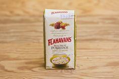 Real Fruit Porridge (Apple and Raisin) von Flahavans. Haferflocken mit Apfelstückchen, saftgen Rosinen und einem Hauch Zimt