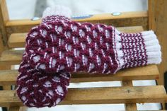 Monica`s hobbyer: Torpavotter Knitting For Kids, Knitting Ideas, Fingerless Gloves, Arm Warmers, Mittens, Diy And Crafts, How To Make, Accessories, Decor