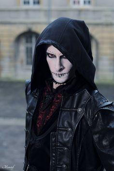 #vanhitman #fillion #althemy #model #malemodel #gothic #goth #dark #magic #vampire #jewelry #morbid #black #Gothic #makeup #modeling #alternative #beautiful #Paintface #Punk #Cape vanhitman.althemy.com