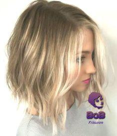 50 Short Blonde Hair Color Ideas in 2019 Medium Hair Cuts, Short Hair Cuts For Women, Medium Hair Styles, Long Hair Styles, Petite Blonde, Blonde Balayage Bob, Bob Haircut For Fine Hair, Cut Her Hair, Hair Photo