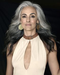 Long Gray Hairstyle with Reverse Ombre ombre hair 65 Gorgeous Gray Hair Styles Short Silver Hair, Silver Ombre Hair, Long Gray Hair, Ombre Hair Color, Lilac Hair, Pastel Hair, Green Hair, Blue Hair, Hair Colour