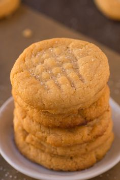The BEST Easy 3 ingredient flourless sugar free peanut butter cookies recipe made with NO eggs, keto, vegan and ready in 12 minutes- Almond butter option too! easy 3 ingredients easy for a crowd easy healthy easy party easy quick easy simple Keto Cookies, Sugar Free Peanut Butter Cookies, Flourless Peanut Butter Cookies, Low Carb Peanut Butter, Peanut Butter Cookie Recipe, Sugar Free Desserts, Low Carb Desserts, Cookies Et Biscuits, Cookie Recipes