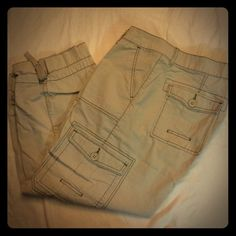 Jag Jeans Capri cargo pants. Jag Jeans Capri cargo pants khaki with tan stitching. Super cute and ready for summer. make me an offer. No trades. MS 45 Jag Jeans Pants Capris