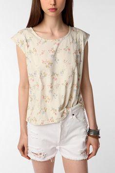 cute shirt, love this neckline