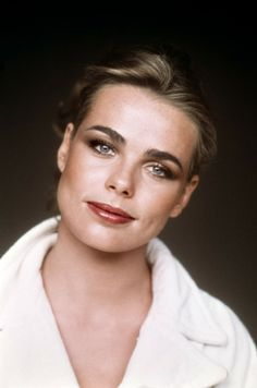 Margaux Hemingway, brown eyeshadows, sienna blush, sandalwood lipstick