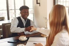 In our lifetime, we will meet all kinds of people, and it is unpredictable to guess which type of personality or moral we will get as collaborators at work and