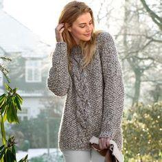 Меланжевый пуловер с объемной косой