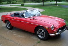 1971 MGB convertible...my first MG - mine was green. Only had for a year.
