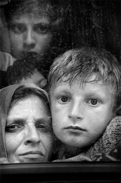 Cristina Garcia Rodero (Puertollano 1949): Kosovan refugees at the border of MACEDONIA. 1999.