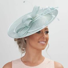 Stunning Sinamay Fascinator on a Headband.please read description info Facinator Hats, Sinamay Hats, Millinery Hats, Wedding Hats For Guests, Wedding Fascinators, Headpieces, Races Outfit, Cocktail Hat, Kentucky Derby Hats