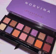 Norvina Palette - An