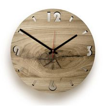 Holz-Wanduhr Eiche Eichholz rund natur Round oak wood clock: Each clock is unique, so you can be sure that your clock will never be there again. It does not matter to you, not bad either, because a pr Wall Clock Oak, Silver Wall Clock, Diy Clock, Wood Clocks, Handmade Wall Clocks, Wood Shop Projects, How To Make Wall Clock, Wood Interiors, Into The Woods