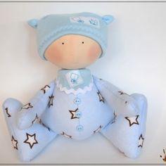 Muñeco bebé de tela
