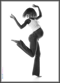 en pleine forme Photographe à Paris réalise shooting photo pour femme enceinte http://www.photosfashion.com/seance-photo-femme-enceinte.html