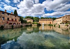 Bagno Vignoni with its ancient termal pool - 70 km from Relais La Suvera, Tuscany