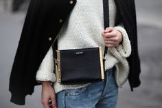Although I'm trying hard not to neglect all the totes and clutches of the world, I am and always will be the girl with the shoulder bag. I know I know, nothing beats a stand-out clutchbag on a dinn...