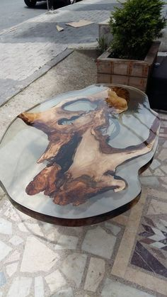 Resin Art epoxy coffee root table Tips For Bathroom Design You might be building a home and designin Woodworking Furniture Plans, Woodworking Patterns, Woodworking Videos, Woodworking Projects, Woodworking Chisels, Woodworking Store, Woodworking Classes, Root Table, Wood Resin Table