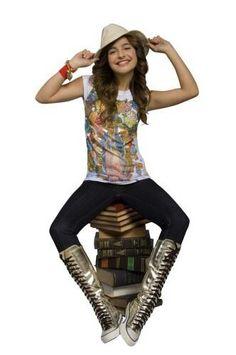 Bren Llamas, I Icon, Wonder Woman, Superhero, Celebrities, Ideas Para, Outfits, Childhood, Disney
