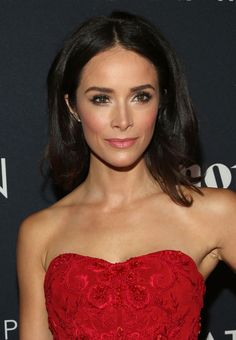 Abigail Spencer Photos Photos - Actress Abigail Spencer attends the Premiere Of Canon's Project Imaginat10n Film Festival at Alice Tully Hall on October 24, 2013 in New York City. - Celebs at Canon's Project Imaginat10n Film Festival