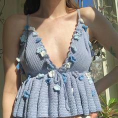 Pull Crochet, Crochet Bra, Crochet Crop Top, Crochet Crafts, Crochet Clothes, Crochet Projects, Crochet Outfits, Crochet Tops, Crotchet