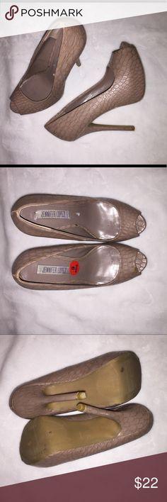 BRAND NWT JENNIFER LOPEZ HEELS SIZE 6 NO WEAR FLAWS OR TEAR. BRAND NEW. Jennifer Lopez Shoes Heels