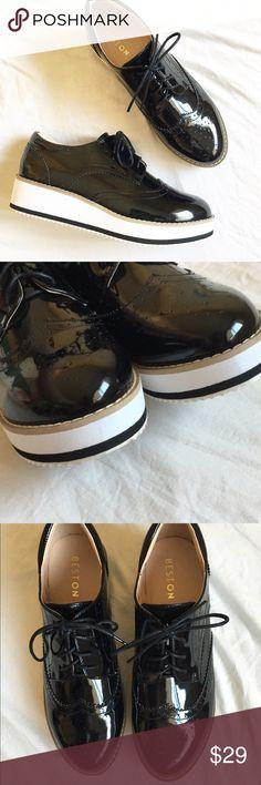 """NWOT Benton platform loafers NWOT Benton platform loafers  2"""" platform  Lace up lightweight   #creepers #platform #loafers #missfresh33 #nwot #shinyshoes benton Shoes"""