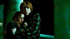 Ron and Hermione Harry Potter Ron Weasley, Ron And Hermione, Harry Potter Films, Harry Potter Love, Harry Potter Fandom, Hermione Granger, Uke Songs, Desenhos Harry Potter, Rachel Berry