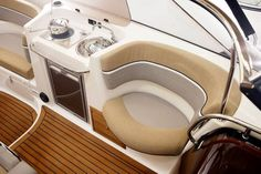 Yamarin Powerboat model range: Day Cruisers, Bow Riders, open Console Boats and the smart Yamarin Cabin. Power Boats, Kitchen Appliances, Diy Kitchen Appliances, Motor Boats, Home Appliances, Kitchen Gadgets, Speed Boats