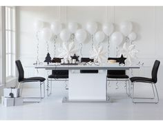 DELGADO - Lacquered extension dining table - White