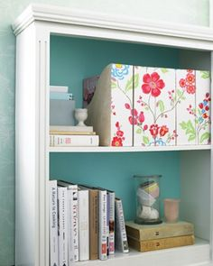 Might could take the magazine boxes of Bart's and recover and use them for storage. See the Wallpapered Magazine Holder in our Floral Decorating Ideas gallery Magazine Organization, Magazine Storage, Home Organization, Magazine Racks, Do It Yourself Design, Magazine Files, Martha Stewart Crafts, Ideas Para Organizar, Diy Wallpaper