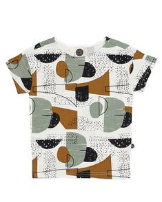 This fun Mainio Wind Boatneck T-Shirt is modern and comfortable. Made from organic cotton, this gender-neutral kid's t-shirt has a cool pattern and design and is perfect for summer. Shop the look at Little Nomad! Little Boy Fashion, Fashion Kids, Toddler Fashion, Fashion Clothes, Baby Shirts, Kids Shirts, T Shirts, Tees, Trendy Kids