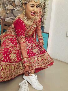 Go beyond imagination Pre Wedding Poses, Bridal Poses, Pre Wedding Photoshoot, Indian Wedding Photography Poses, Bride Photography, Mobile Photography, Wedding Henna Designs, Bridal Lehenga Collection, Indie