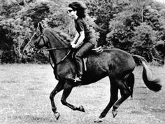 Jacqueline Kennedy, Riding a Horse in Waterford, Ireland, Jun 1967 People Photo - 61 x 46 cm Riding Hats, Horse Riding, Riding Gear, Equestrian Outfits, Equestrian Style, Equestrian Fashion, Waterford Ireland, Jackie Kennedy, Jaqueline Kennedy