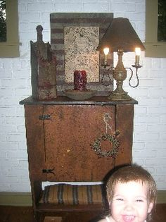 what a cabinet!!!! so perfect with the candle box...  love the lamp!!