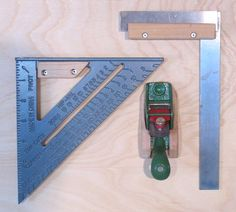 Tool holders - drilling and cutting Garage Workbench Plans, Garage Workshop Plans, Workshop Storage, Workshop Organization, Woodworking Power Tools, Woodworking Workshop, Woodworking Projects, Woodworking Shop, Garage Organisation