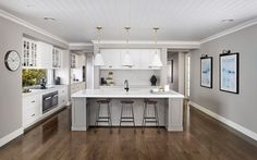 9 Must-Have Inclusions for your Hamptons Kitchen - hamptons style kitchen metricon bayville display home - Die Hamptons, Hamptons Style Homes, Hamptons Decor, Living Room Kitchen, New Kitchen, Kitchen Things, Kitchen Ideas, Kitchen Paint, Living Rooms