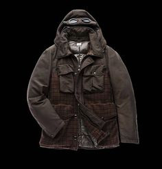 This jacket is made in English Abraham Moon Shetland and with goose down padded interior ensuring warmth and lightness. Double dye treatment in order to obtain unique colors and a perfect softening of the Shetland harshness.