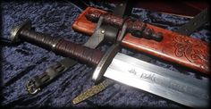 Føler Frykt - Two Handed Viking Sword by Fable Blades Custom Swords - Brendan Olszowy 13th Warrior style