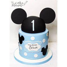Happy Birthday Oliver! Check out this adorable Mickey Mouse cake we made today! Tag a friend who loves Mickey! #disney #mickeymouse #custombakery #glendora #cake #mickey #birthday #thecakemamas Bolo Mickey E Minnie, Mickey Birthday Cakes, Boys First Birthday Cake, Mickey 1st Birthdays, Mickey Mouse First Birthday, Theme Mickey, Mickey Cakes, Happy Birthday, Elmo Birthday