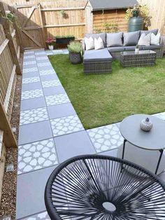 How to DIY : Concrete Garden Slab Stencilling – Home Ideology Concrete Patios, Concrete Patio Designs, Concrete Garden, Garden Slabs, Patio Slabs, Garden Paving, Patio Stone, Flagstone Patio, Mosaic Garden