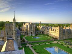 Resort-Like College Campuses
